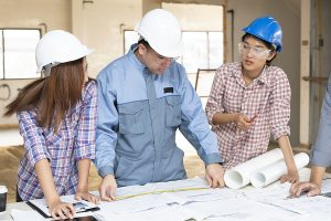 Students during engineering internships in the construction sites